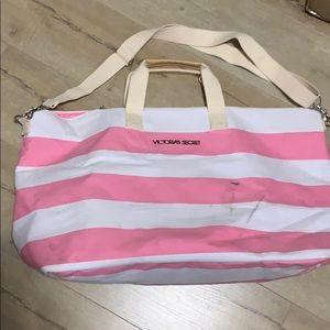 Large Victoria's Secret travel bag 😍
